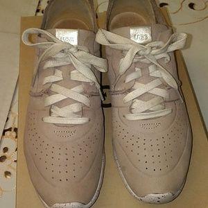 Women's size 10 Ugg Sneakers